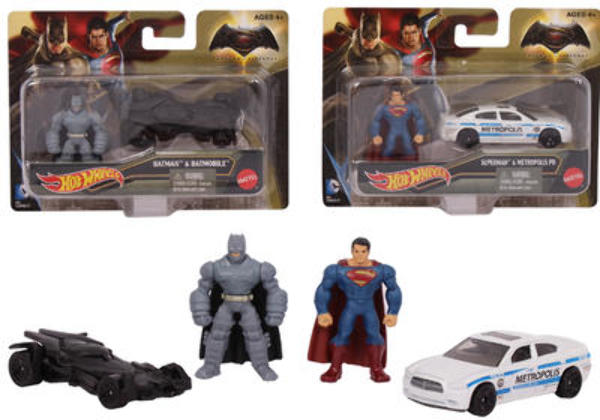 HOT WHEELS Batman Vs Superman Play Set (2267469)