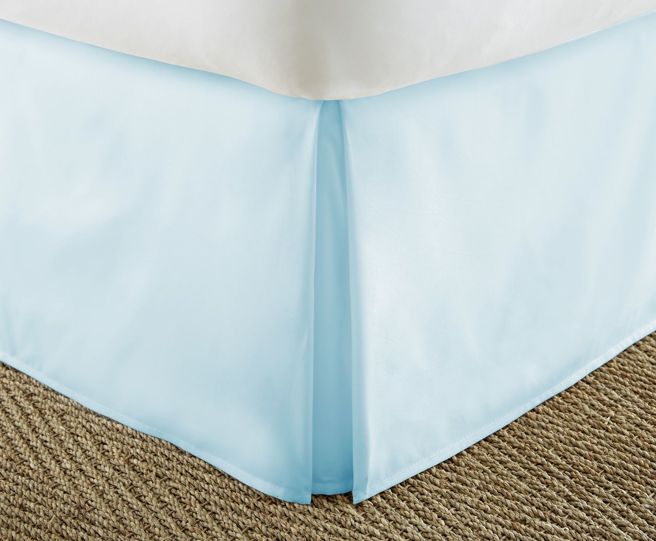 Pleated bed skirt