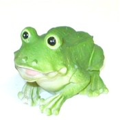 "4"" Poly resin frog figurine."