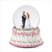 Wedding Couple Snowglobe